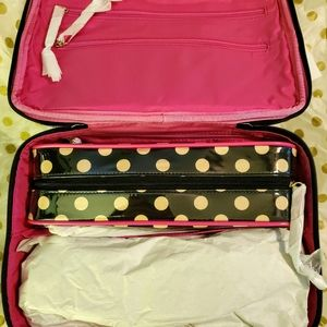 NWT ♡ Kate Spade Cosmetic Case
